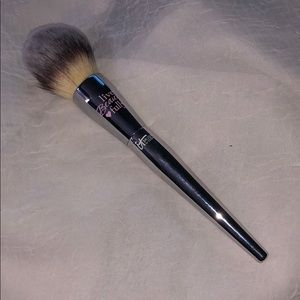 Other - IT Cosmetics Love Complexion Powder Brush #225